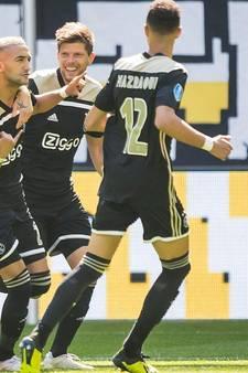 Ajax na flitsende start eenvoudig langs matig Vitesse